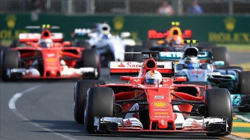 Mộng thấy hình ảnh bố đua xe công thức 1